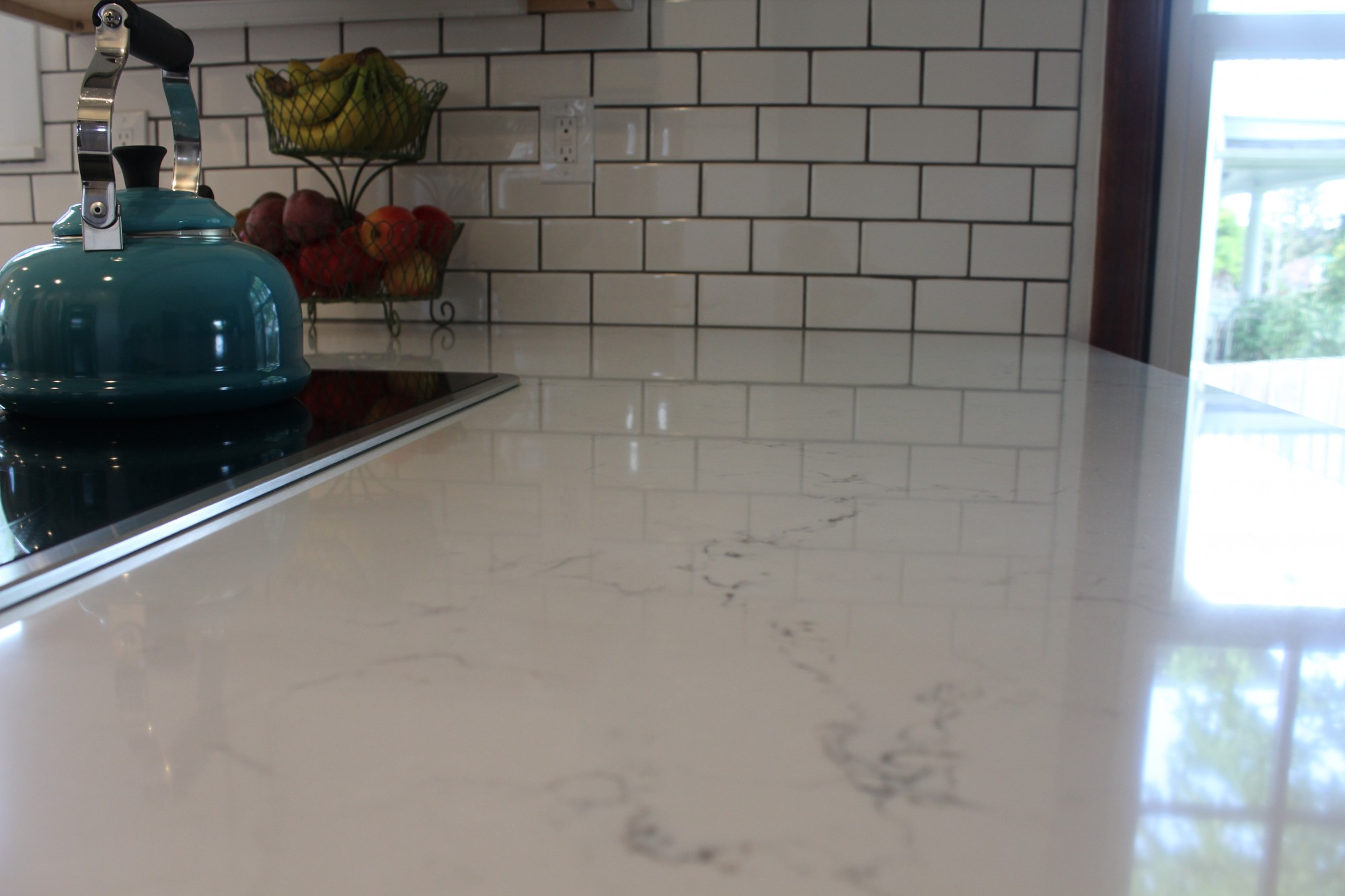Close Up Photo Of White Quartz Countertops. Pental Misterio