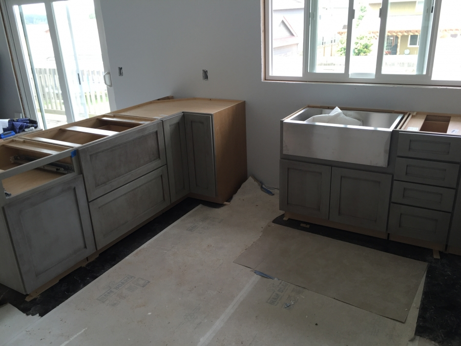 Gray Lower Cabinets With White Uppers Tacoma Wa