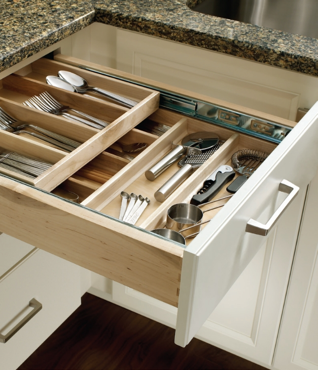 Custom Kitchen Cabinet Accessories: Cabinet Storage Solutions